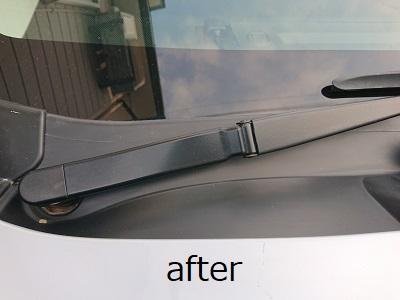 カウルトップ未塗装樹脂after 白くなった未塗装樹脂を元の黒さに復活
